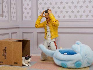 「♪デラ~イラ デラ~イラ…」フレディ・マーキュリーのフィギュアで再現した「猫あるある」に同意せざるを得ない