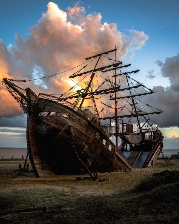 難破船の遊具
